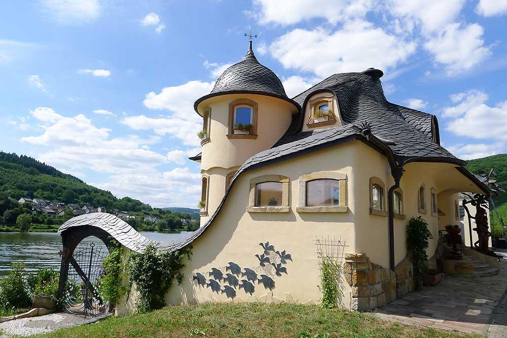Das Seminarhaus: Die Wellenburg